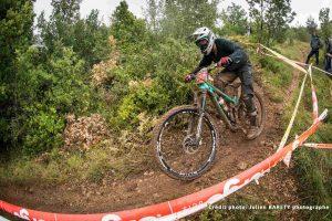VTT Enduro course femme Julie Duvert